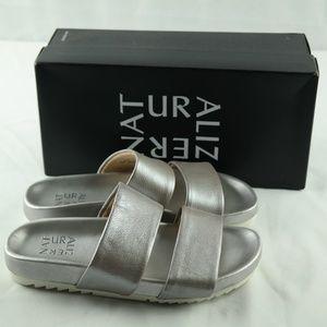 Naturalizer Amabella Slide Sandals 7.5 Wide Silver